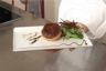 Tourtière de foie gras champignons et châtaignes mesclun de salade