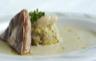 Velouté d'haricots tarbais (label rouge) fondue de poireaux au confit de poule foie gras de canard IGP Sud-Ouest poêlé.