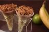 Verrine de banane au citron vert mousseux chocolat au lait et crumble noisette